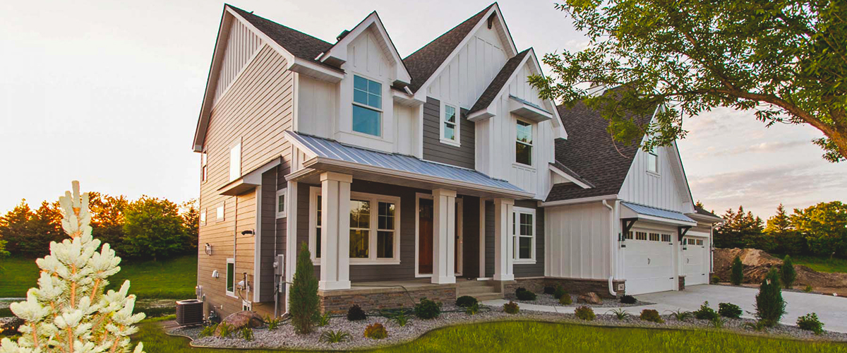 Custom_Home_Exterior_Excelsior_MN_Creek_Hill_Rotator